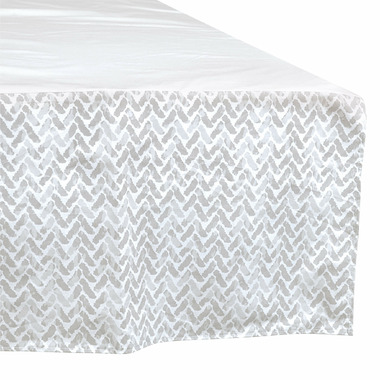 Perlimpinpin Crib Bed Skirt Grey Chevron