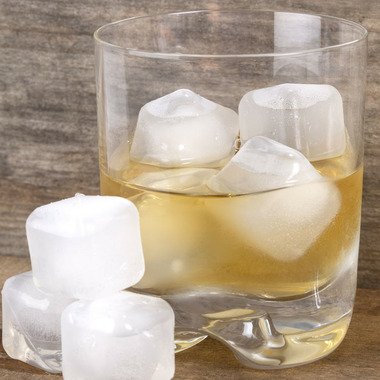 Kikkerland Clear Reusable Ice Cubes