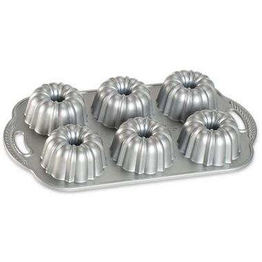Nordic Ware Anniversary Bundtlette Pan