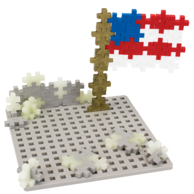 Plus Plus Moon Builder and Baseplate