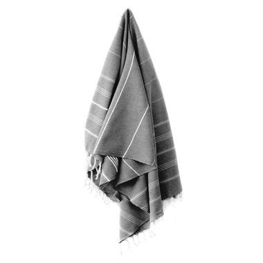 Stray & Wander Cove Turkish Towel Black