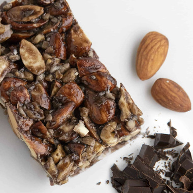Love Good Fats Chocolatey Almond Chewy Nutty Bar