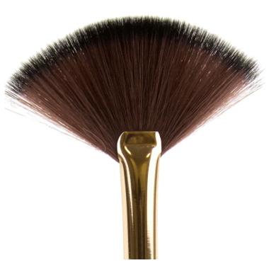 L.A. Girl PRO Cosmetic Fan Brush