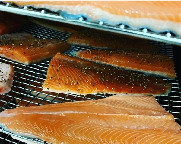 The Smoke Bloke - Pepper Smoked Salmon